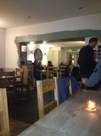 The Foresters Arms: the Bar