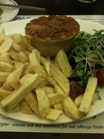 Oldham's Fish Restaurant: Pie and chips