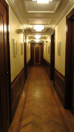 Hotel Rialto: Hallway