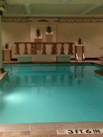 The Peabody Memphis: Spa and indoor pool
