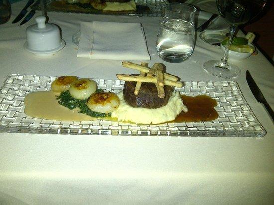 Hob Nob Restaurant : main course ... mmmmmm