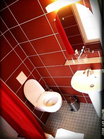 Royal Wagram: salle de bain