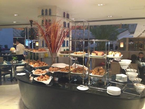 Crowne Plaza Beijing Wangfujing: loving this breakfast :)