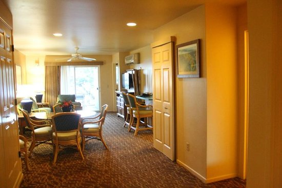 Worldmark Kihei: from entryway