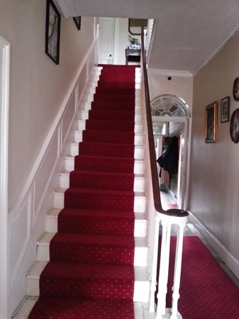 Teltown House B&B: Main Stairway