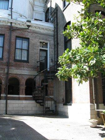 Lemp Mansion Restaurant & Inn: Rear entrance