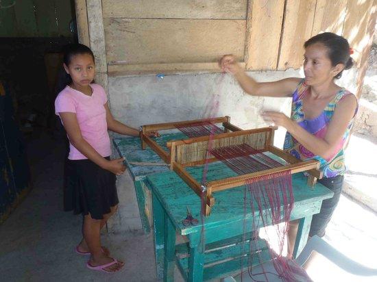 Zapatera Island: Women Weaving