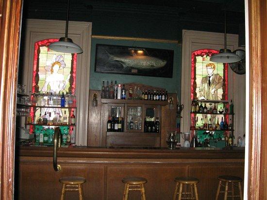 Lemp Mansion Restaurant & Inn: Mansion bar