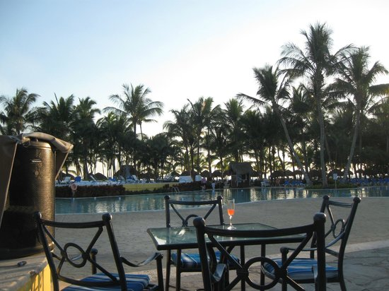 Catalonia Gran Dominicus: around the pool