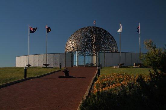 HMAS Sydney II Memorial: Entrance to Memorial