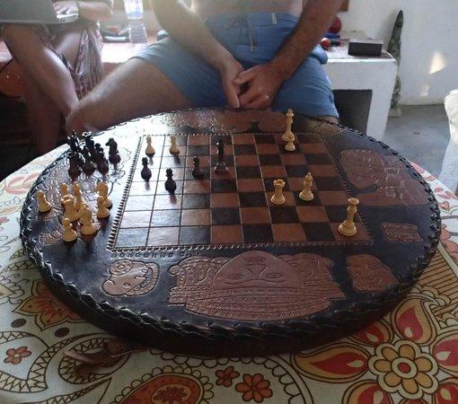 Hostal La Buena Onda: Amazing chess board