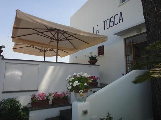 Hotel La Tosca : hotel entrance