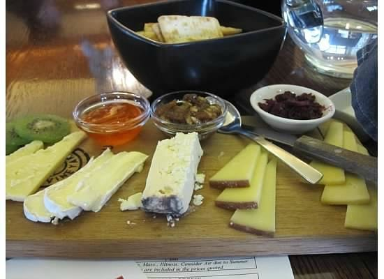 Vrede en Lust Winery: fabulous cheese tray