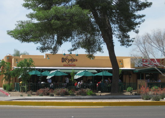 Oregano's Pizza Bistro: Oregano's on Scottsdale Rd