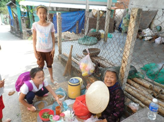 Haven Vietnam: Lunchtime at Bai Zep School