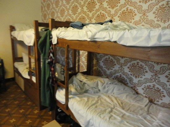 El Viajero Hostel Suites Colonia: habitación mixta para 8 personas