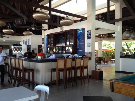 Kahuna Beach Resort and Spa: the Bar