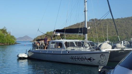 Kekoa Sailing Expeditions: kekoa arriving for pickup