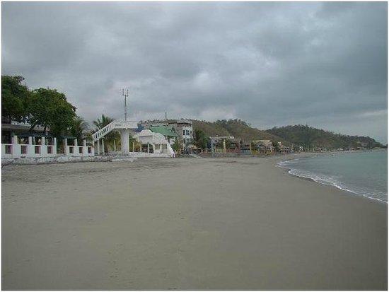 Hotel Chagra Ramos: Playa privada.