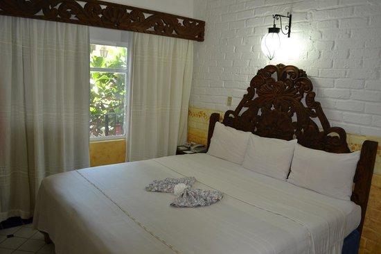 Hotel Casa Dona Susana: My room, a King room.