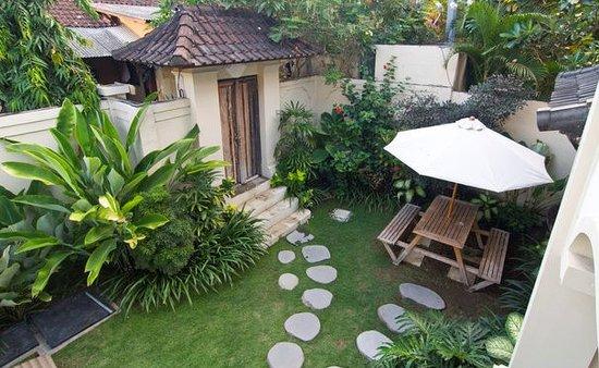 Umadasa Seminyak: Garden Overlook