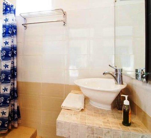 Umadasa Seminyak: Bathroom