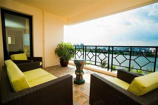 Saigon Domaine Luxury Residences: River view