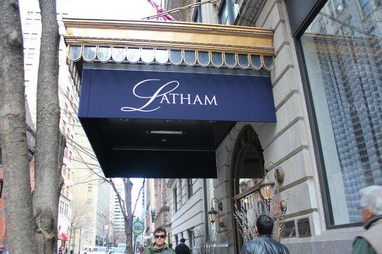 Latham Hotel: Entry Way