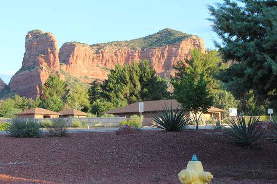 Red Agave Resort: Snoopy Rock