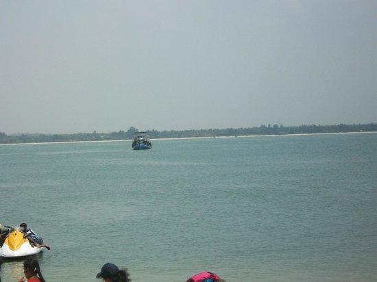 Malpe beach from St Mary Island