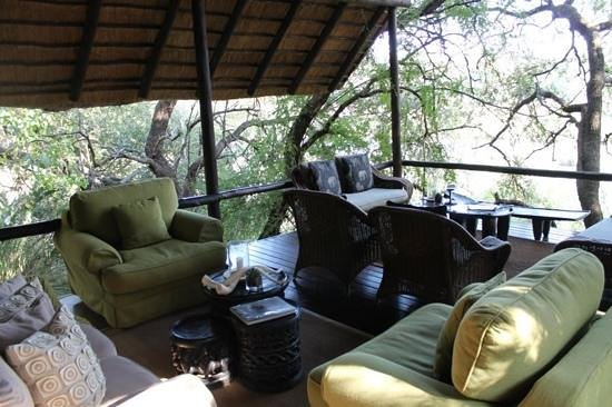 Pondoro Game Lodge: lounge around