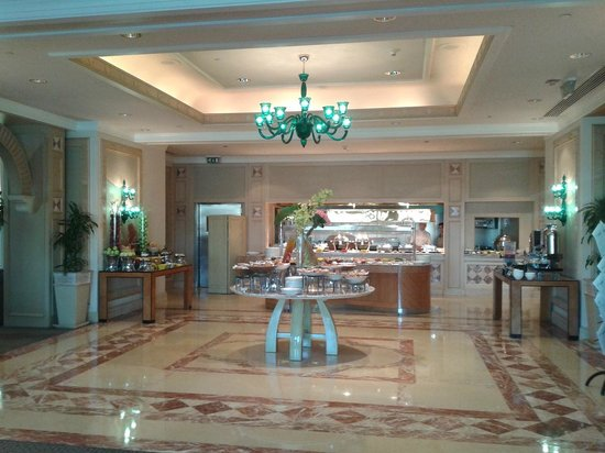 Four Seasons Hotel Cairo at Nile Plaza: Breakfast