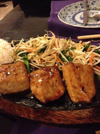 Restaurante Japones Shogun: over cooked tuna