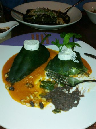 Rosa Mexicano - First Avenue : stuffed chillies