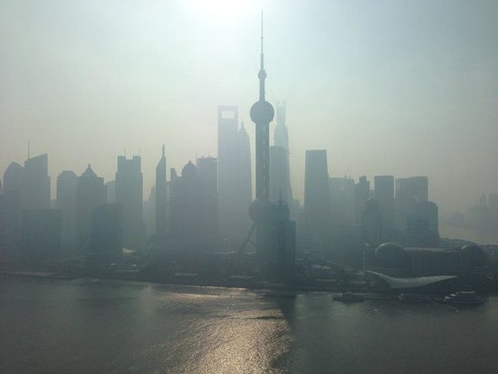 Hyatt on the Bund: The Pearl Tower in the morning