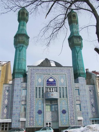 Central Jam-e-Mosque at Gronland
