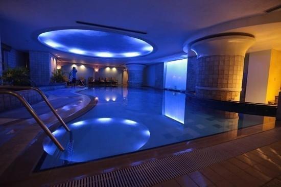 โรงแรมเดอะลินเดน สวีท มะนิลา: indoor pool