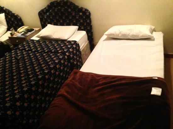 Rush Inn: room