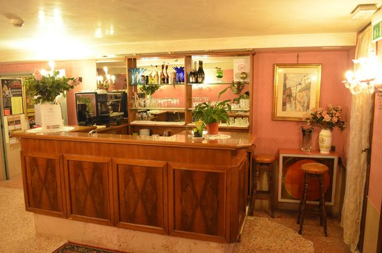 Hotel Canal: Bar