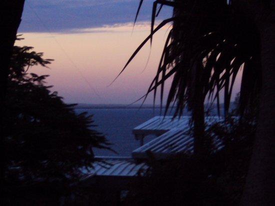 The Lookout Resort Noosa: Sunset from bedroom