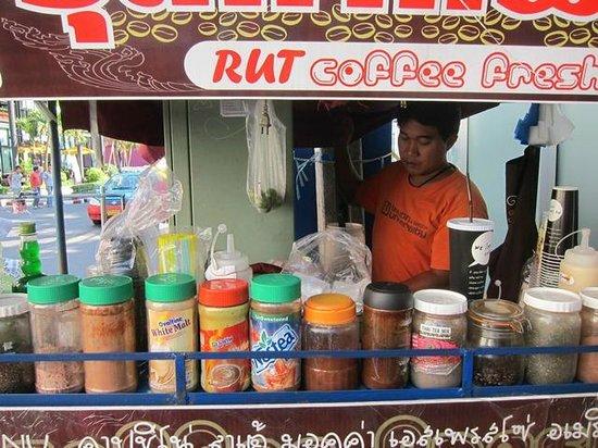 Salil Hotel Sukhumvit Soi 11: Yummy Ice Coffee