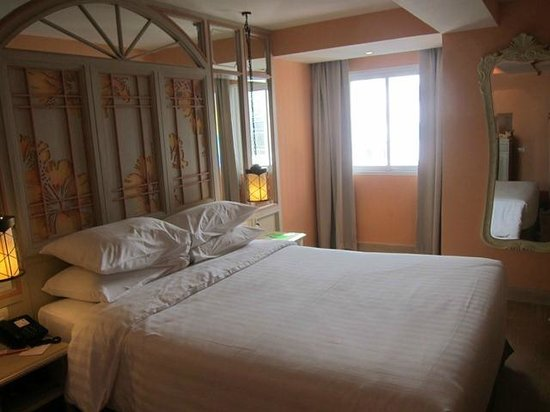 Salil Hotel Sukhumvit Soi 11: The Room (again)