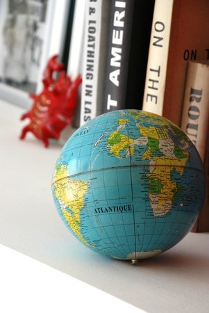 Atlantikoa : Détail décoration globe