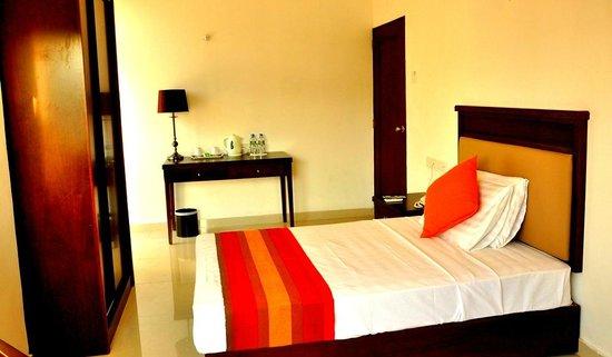 Sai Sea City Hotel (P) Ltd: Single Beds