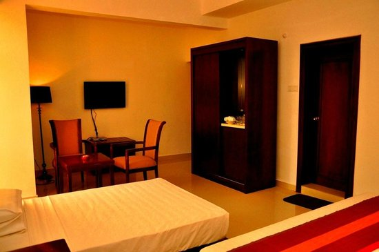 Sai Sea City Hotel (P) Ltd : Premium Room + Extra bed