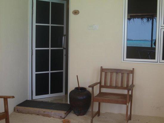 WhiteShell Beach Inn: Room entrance