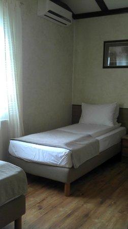 Avalon Rooms: room...no4, i think