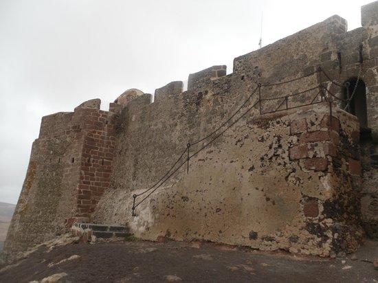 Castillo de Santa Barbara : cortina con scale d'accesso