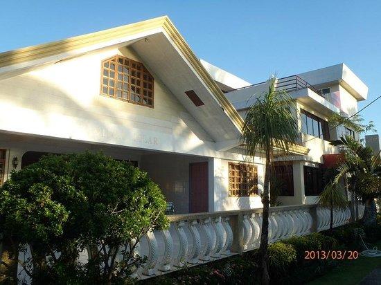 Villa Pillar: Facade