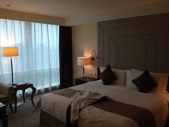 Pullman Shanghai Skyway Hotel: 部屋